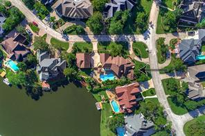 Property for sale at 39 Leeward Cove Drive, The Woodlands,  Texas 77381