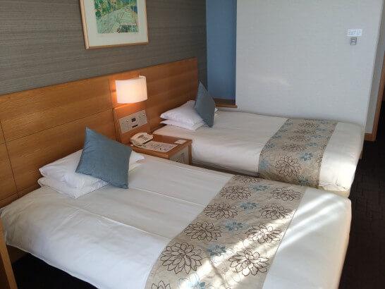 鎌倉プリンスホテルのツインルームのベッド