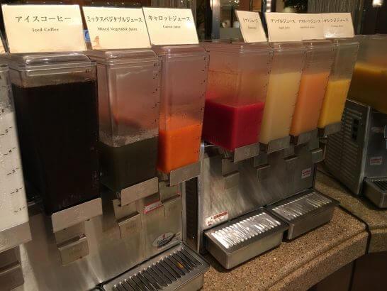 ロイヤルパークホテルの朝食 (ジュース)