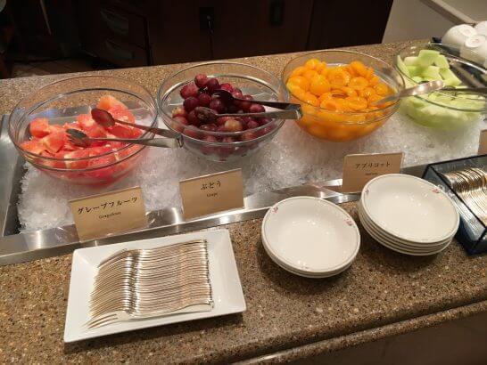 ロイヤルパークホテルの朝食 (果物)