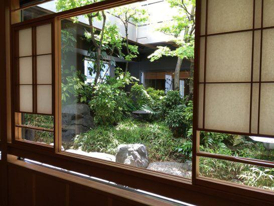 ウェスティンホテル大阪の日本料理「はなの」の庭園