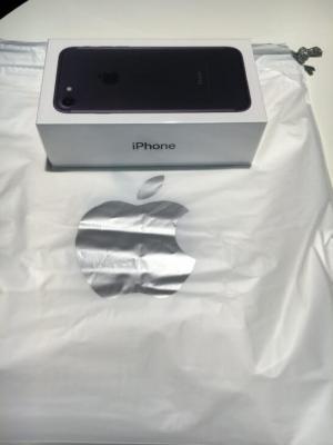 iPhone7の箱と袋