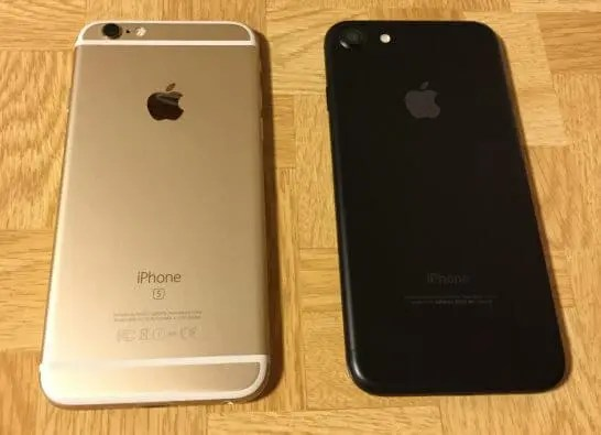 iPhone 6sとiPhone7(裏面)