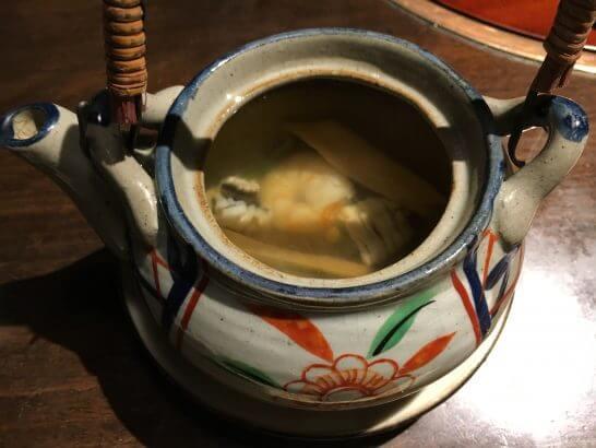 土佐料理 祢保希の松茸の土瓶蒸しの中身