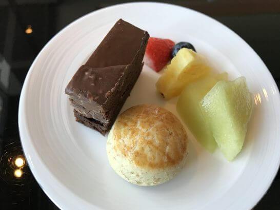 シャングリ・ラ ホテル 東京のホライゾンクラブのアフタヌーンティー