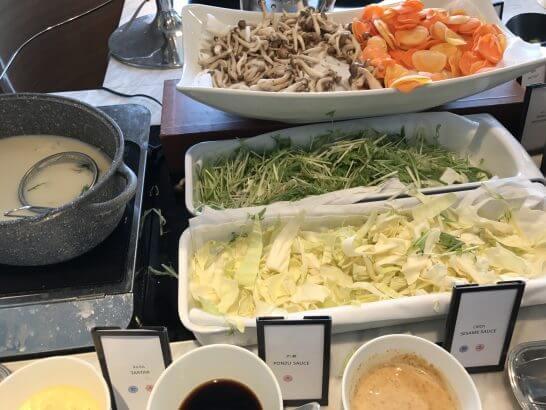 ヒルトン東京お台場の朝食(豆乳の野菜しゃぶしゃぶ)