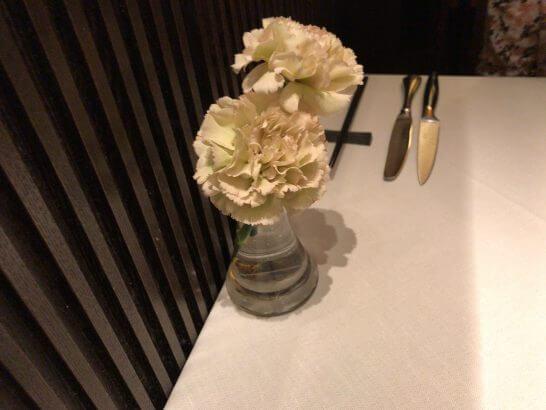 ジャッジョーロ銀座 (テーブルの花)