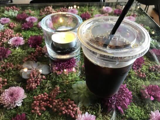 ニコライ・バーグマン・フラワーズ&デザインのカフェのコーヒー