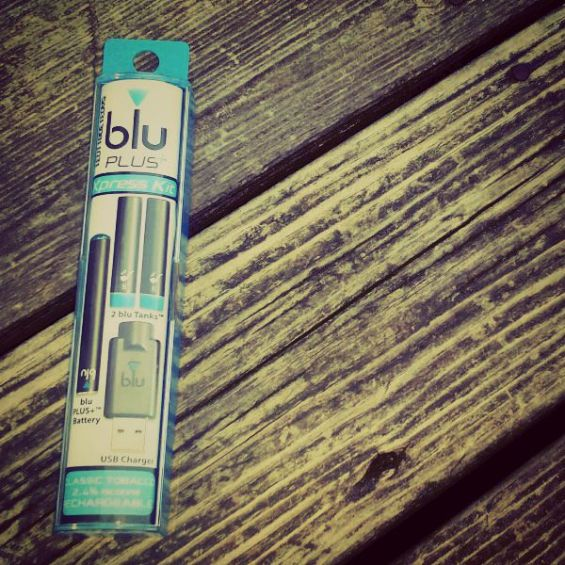 blu PLUS+ e-Cigs Xpress Kit wood
