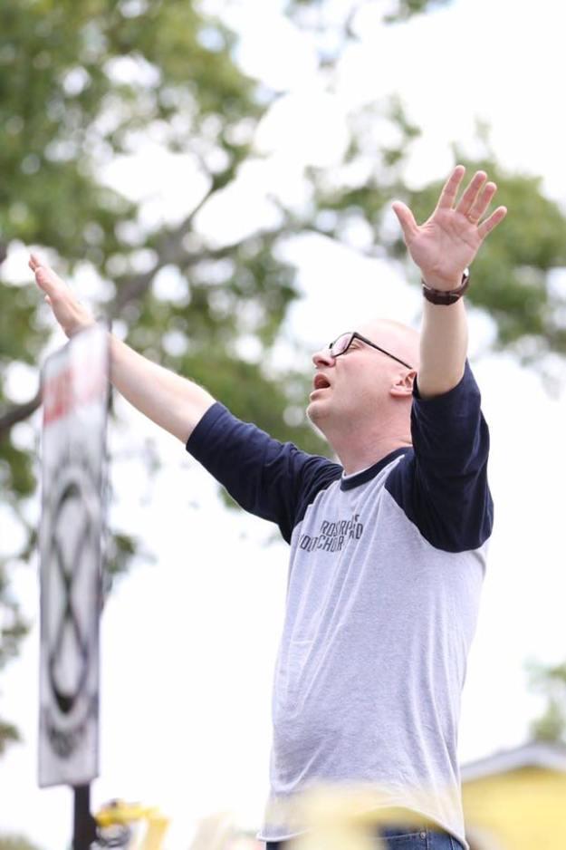 David Rinehart leading worship