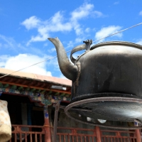 Teapot boilng thanks to sunrays