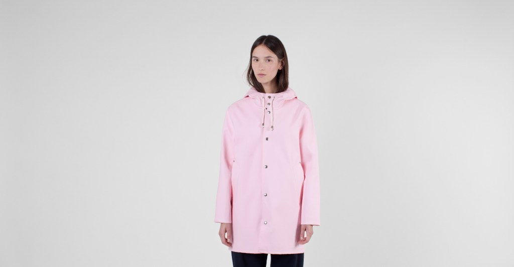 res241-stutterheim-stockholm-raincoat-dusty-pink-unisex-2