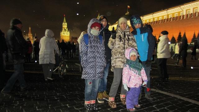 Москва. Красная площадь. 1 января 2016 года. На улице морозззз, а народу тьма)))