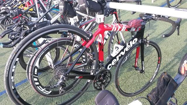 Велосипед в транзитной зоне Ironman Barcelona. Максим Бувалин.