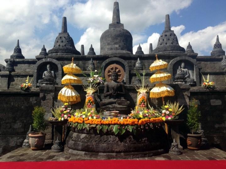 Buddha-vesak-celebration-2