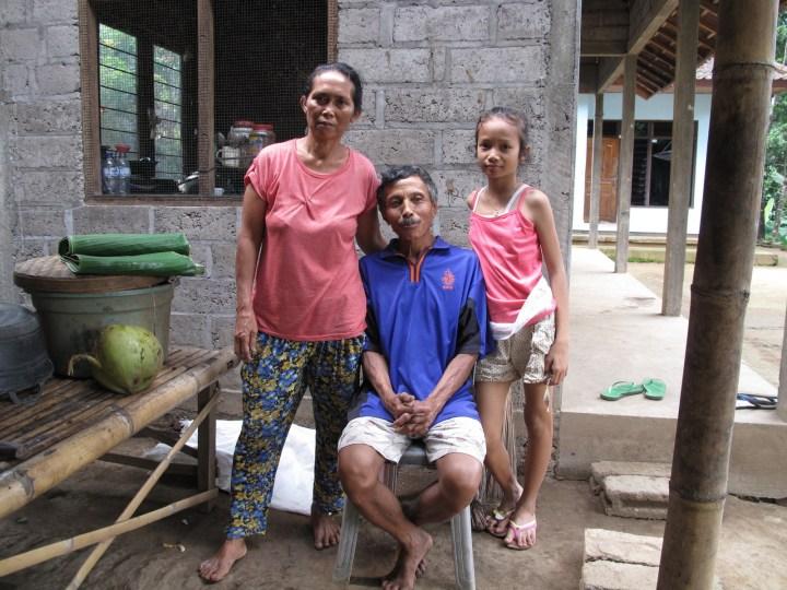 Семья собирателя кокосов