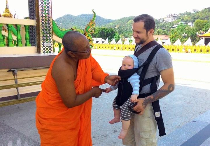 Буддистский монах, Слава и Максон