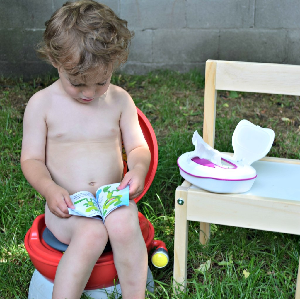 kandoo wipes nate on potty reading