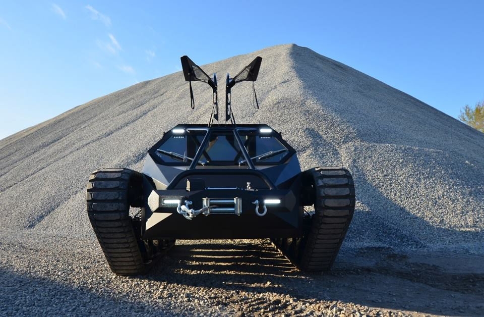 a-close-look-at-howe-howes-extreme-vehicle-2-now-available-in-limited-edition-video-photo-gallery_8 (1)