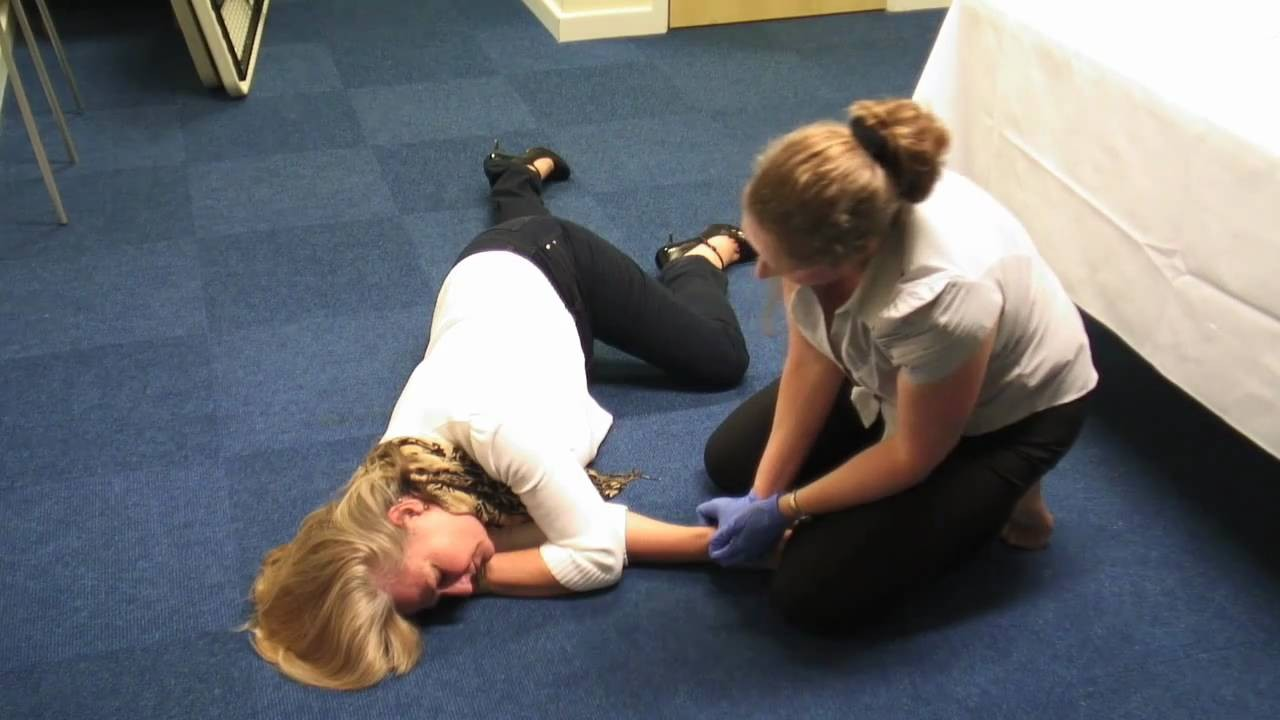 7 Dangerous First Aid Mistakes - Readers Digest