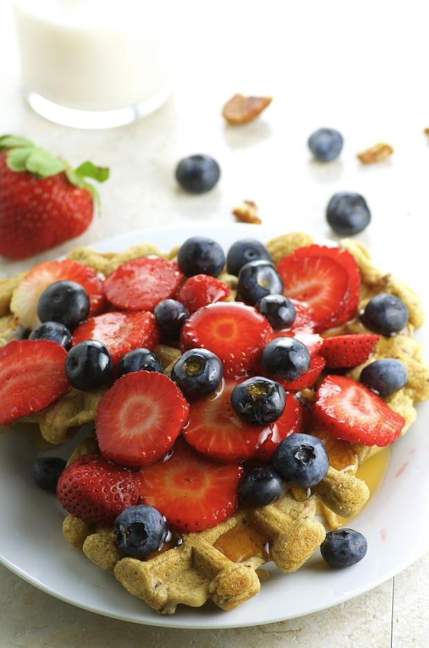 Vegan pecan Waffles - Whole Grain, diairy free, no refined sugar. Super healthy and tasty breakfast