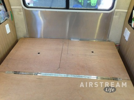 Airstream bed hatches