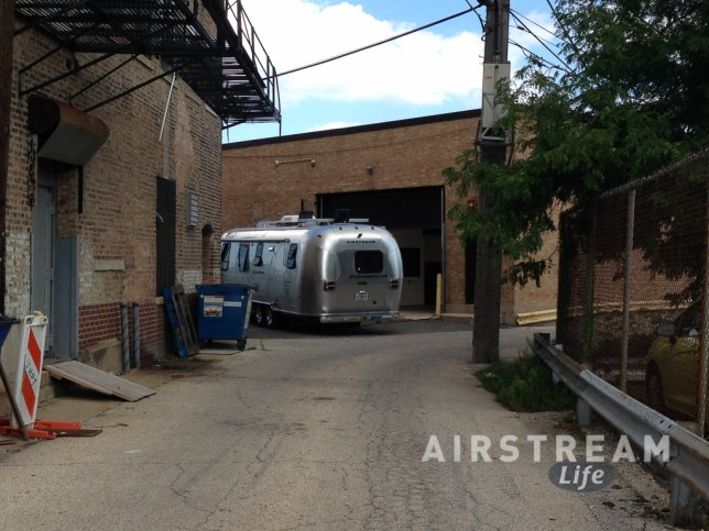 Chicago Airstream alleyway