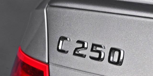 mercedes-c250-badge