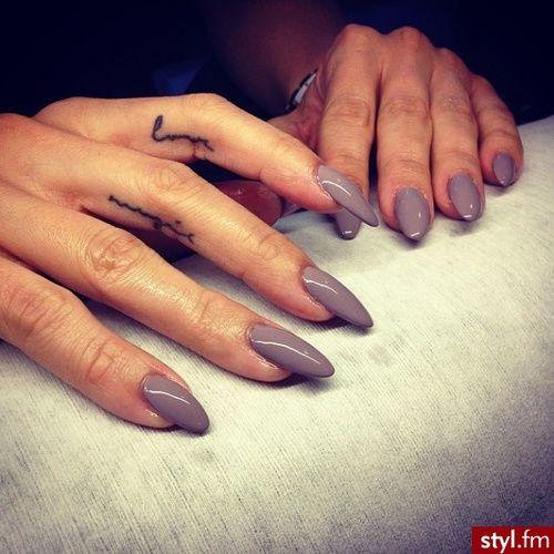 dope-nails-grey