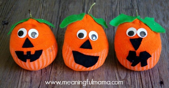 sock pumpkin craft jack-o-lantern