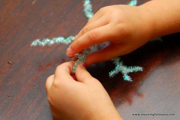 1-#snowflake craft #pipe cleaners #pom poms #kids-053