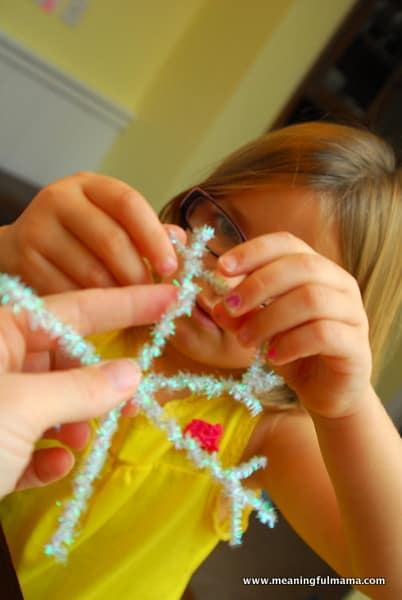 1-#snowflake craft #pipe cleaners #pom poms #kids-055