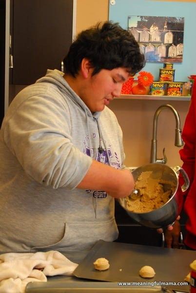 1-#egg nog sandwich cookies #egg #shop http://i2.wp.com/meaningfulmama.com/wp-content/uploads/2013/12/1-egg-nog-sandwich-cookies-egg-nog-buttercream-land-o-lakes-recipe-022.jpg?resize=402%2C600 nog buttercream #land o' lakes recipe-022