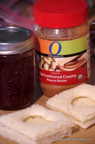 1-#peanutbutter and jelly #valentine treat ideas-004