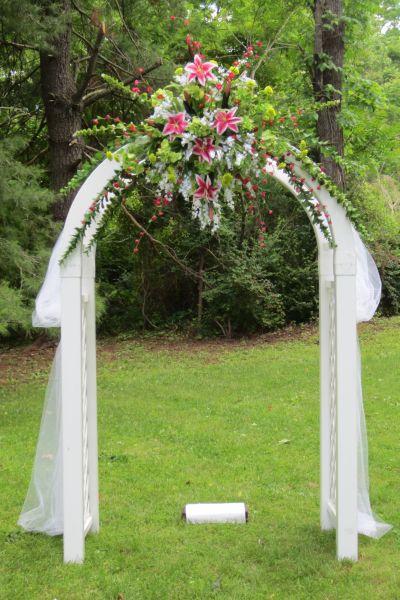A beautiful Wedding Arch or Arbor | Wedding Ideas | Pinterest