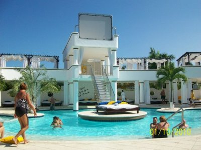 VIP pool - Picture of The Crown Villas at Lifestyle ...