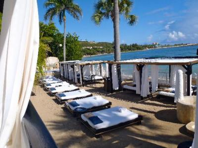 Vip Beach beds - Picture of The Tropical at Lifestyle ...