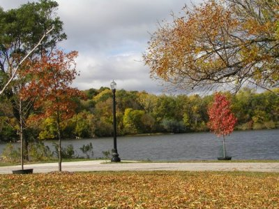 A view from the Fox River Bike Trail. - Picture of Elgin, Illinois - TripAdvisor