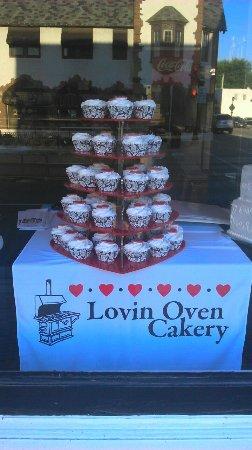 Travel themed wedding cake - Picture of Lovin Oven Cakery, Libertyville - TripAdvisor