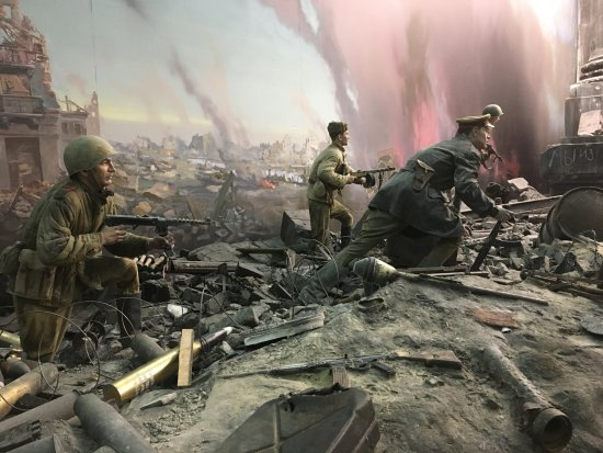 Battle of Berlin re creation   Picture of Victory Museum  Moscow     Victory Museum  Battle of Berlin re creation