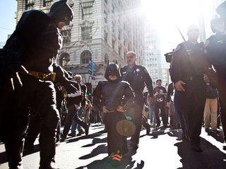 http://www.10news.com/entertainment/around-the-web/make-a-wish-helps-5-year-old-batkid-save-gotham-city-more-than-1000-volunteers-to-take-part11152013