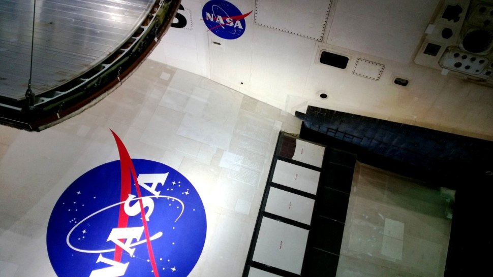 space shuttle wing area - photo #49