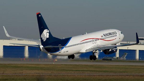 800px-AeroMexico_Boeing_737-800(W)_XA-AMJ