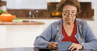 Cashing Old Checks: 5 Things To Know