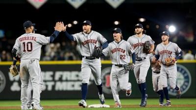 Astros' big seventh inning dooms Mariners, 7-1