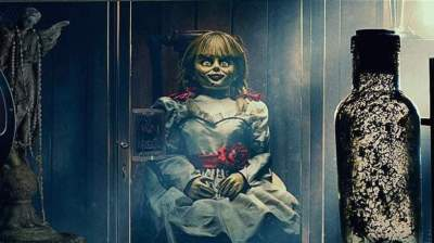 Flipboard: James Wan Shares Creepy 'Annabelle Comes Home' First Look Photo
