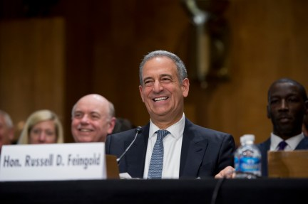 Will Russ Feingold Be Haunted by Campaign Problems Past?