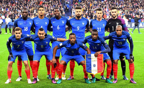 Nike extends kit sponsorship of France national football team in     Nike clad France on 11 11 2016  before the match vs Sweden   AFP
