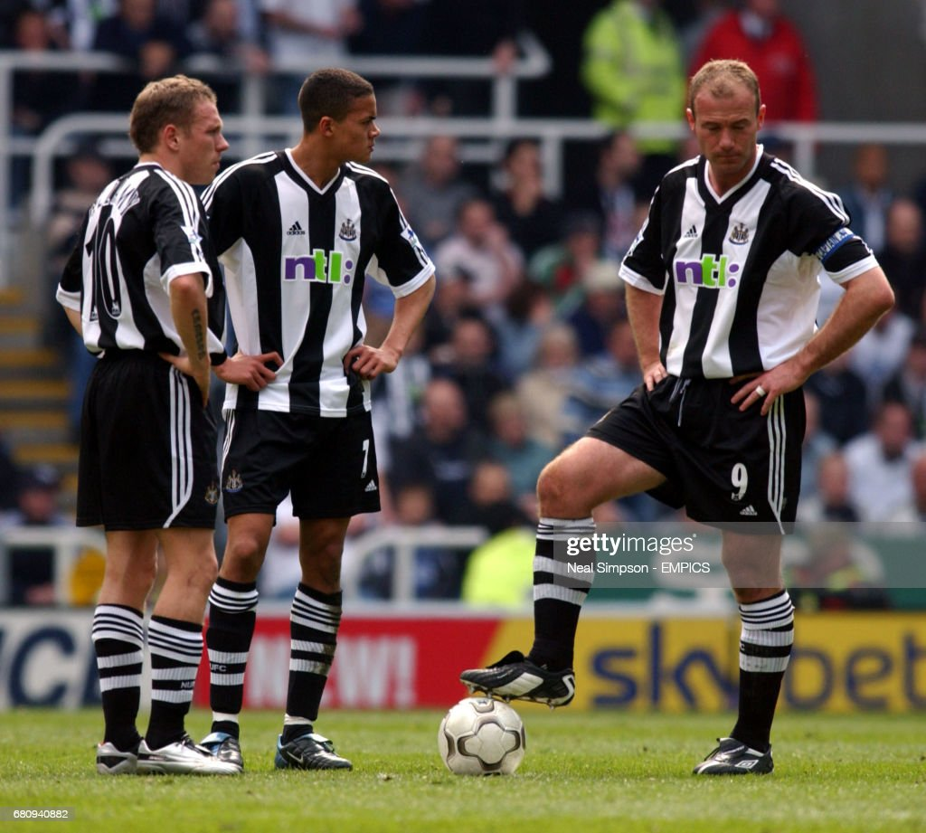 l-r; Newcastle United's Craig Bellamy, Jermaine Jenas and Alan... News Photo | Getty Images