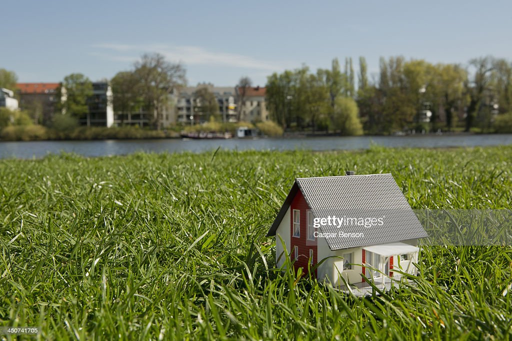 Tiny Nn Models Stock Photos and Pictures | Getty Images